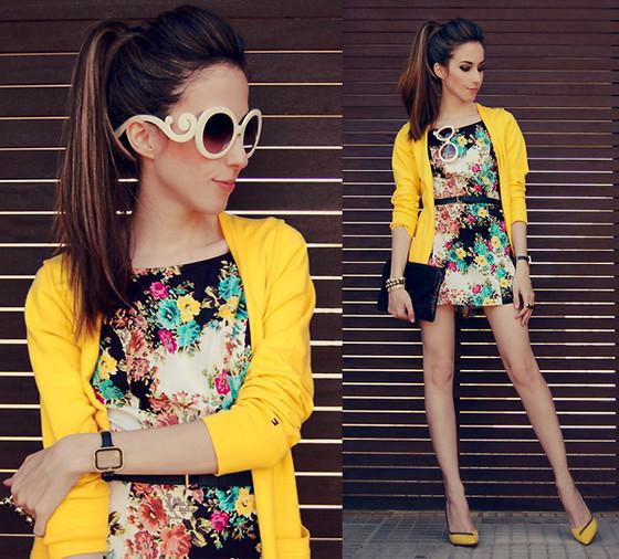 Resultado de imagen para outfit con toques amarillos