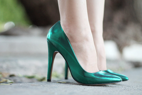 tendencia-metalica-zapatos-10