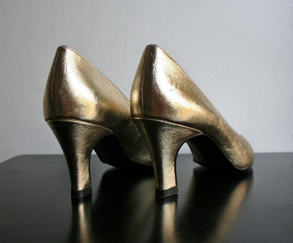 tendencia-metalica-zapatos8