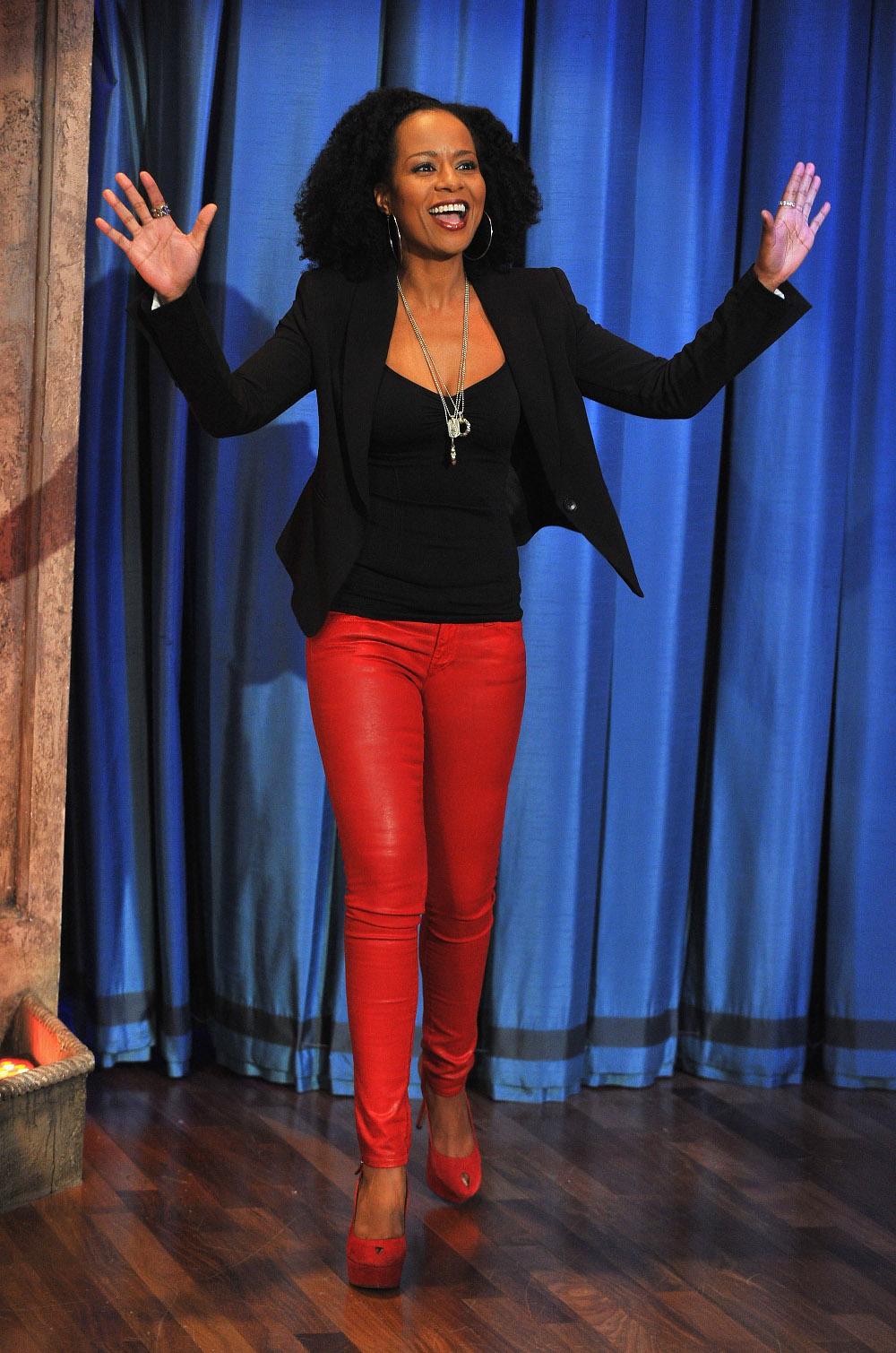 como-usar-pantalones-rojos13