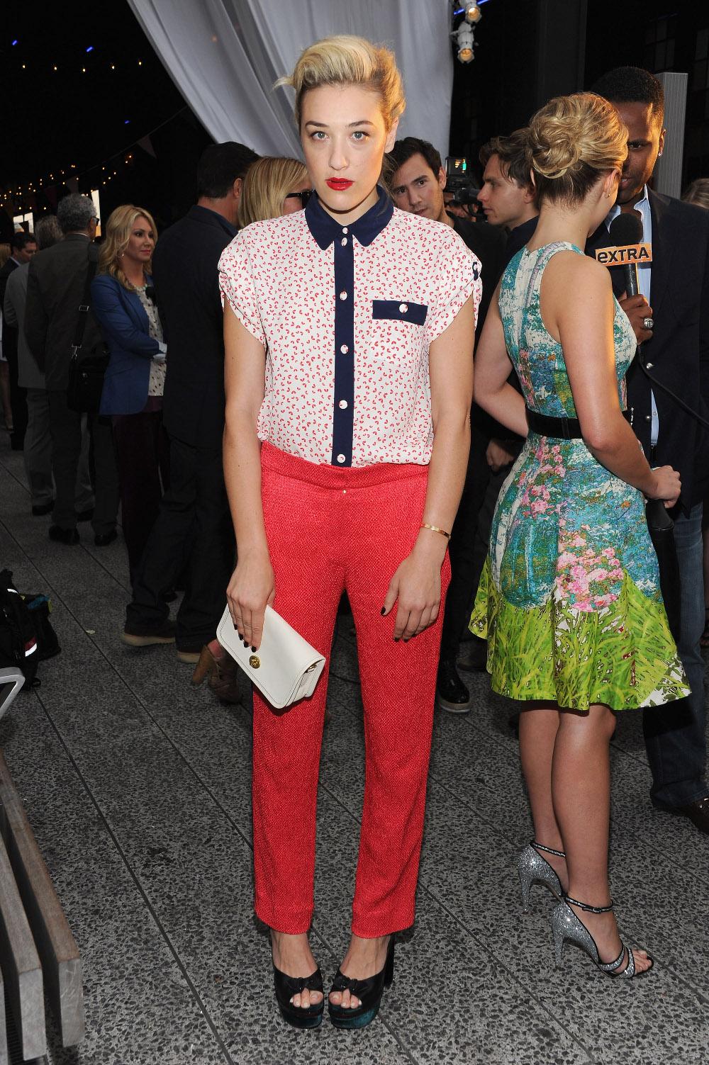 como-usar-pantalones-rojos19