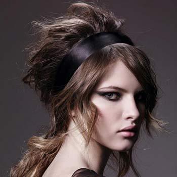 La máscara para los cabellos que refuerza que estimula